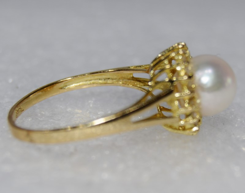 14K Yellow Gold Split Shank Pearl & Diamond Halo Ring Size 7.5