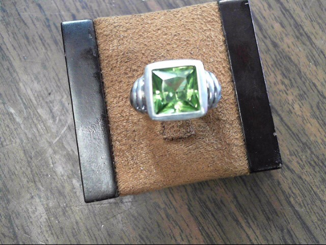 Green Stone Lady's Silver & Stone Ring 925 Silver 5.6dwt