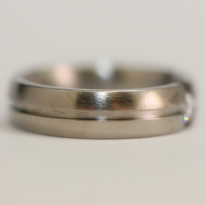 Tungsten Silver and White Stone Ring Size 9