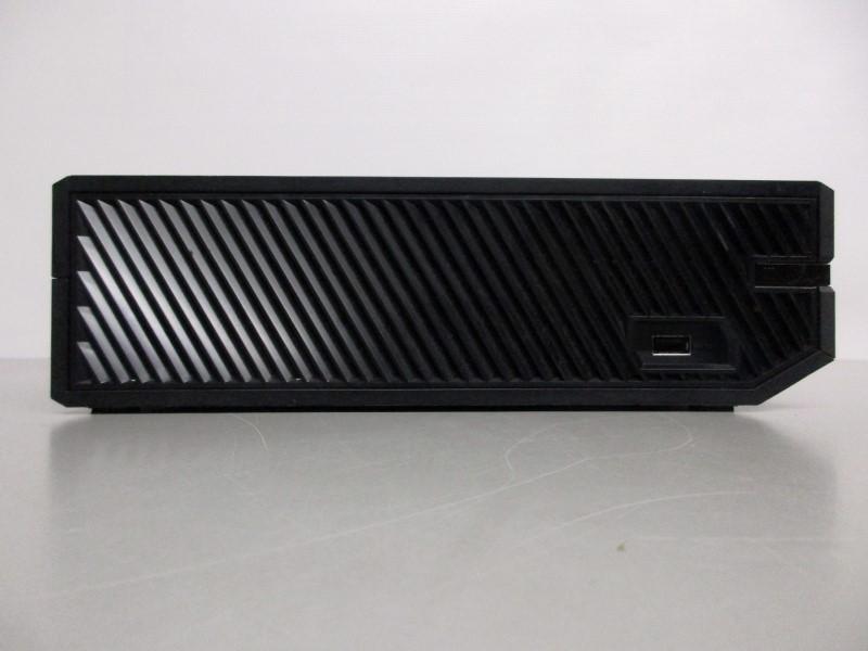 MICROSOFT XBOX ONE 500GB - 1540, w/CONTROLLER
