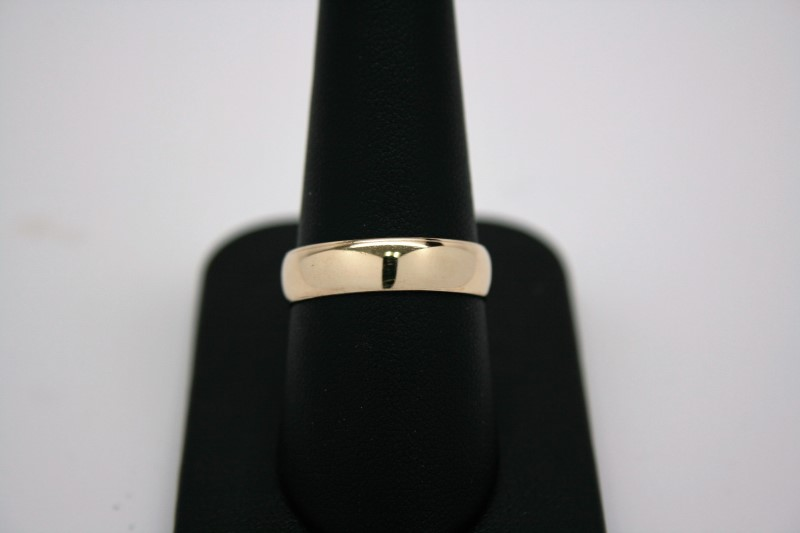 LADY'S GOLD BAND 14K YELLOW GOLD