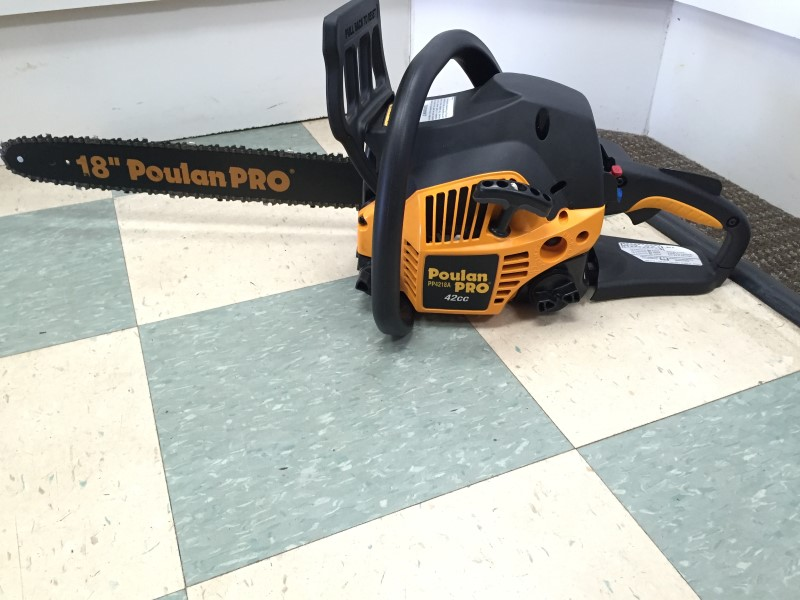 "POULAN 18"" 41cc GAS POWERED CHAINSAW"