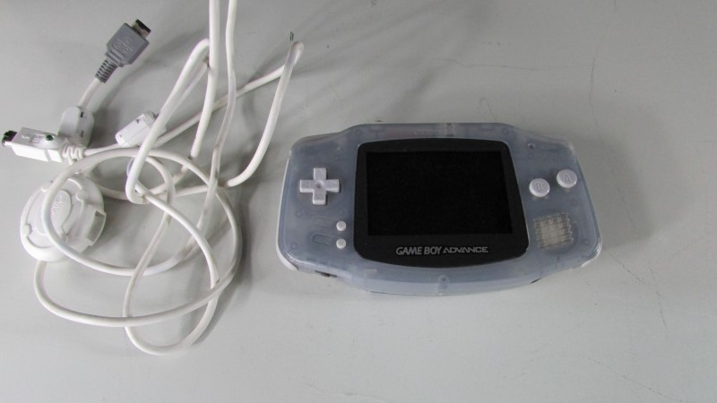 NINTENDO GAMEBOY ADVANCE - HANDHELD GAME CONSOLE