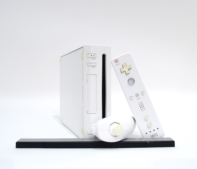 Nintendo Wii White Video Game System Console Bundle RVL-001 >