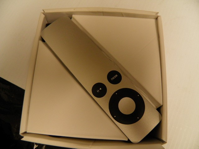 APPLE Portable Television MC572LL/A TV
