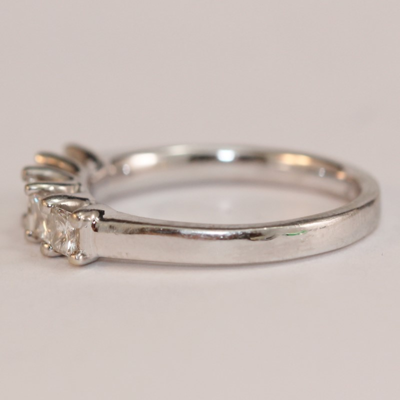 10K White Gold Bead Set Princess Cut Diamond Anniversary Ring Size 8