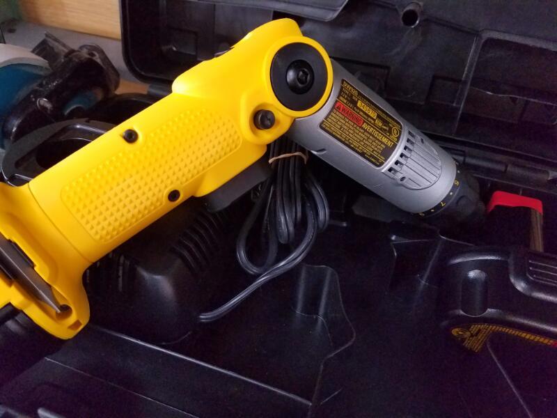 DEWALT Cordless Screwdriver DW920K-2