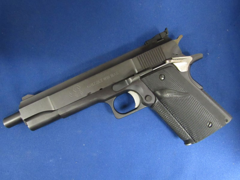 LAR GRIZZLY MARK I .45