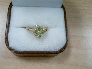 Green Stone Lady's Stone Ring 14K Yellow Gold 2.1g