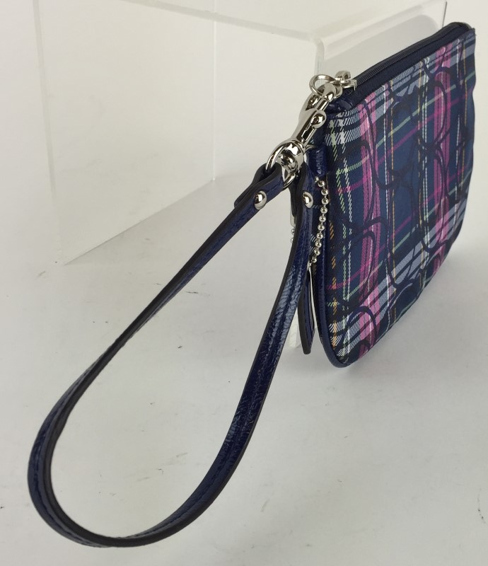 COACH SIGNATURE PLAID WRISTLET