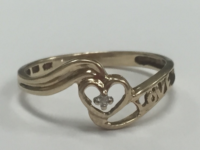 "DIAMOND ""LOVE' HEART 10K RING YELLOW GOLD Size:7"