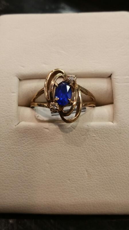 Lady's Gold Ring 10K Yellow Gold 1.3dwt Size:5