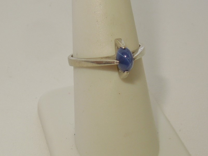 Synthetic Star Sapphire Lady's Stone Ring 10K White Gold 2.3g Size:7
