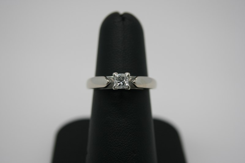 LADY'S PRINCESS CUT DIAMOND SOLITAIRE