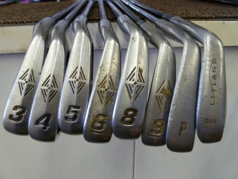 TOP FLITE TOUR IRONS (3-9/PW/SW/NO 7) 2 WILSON DRIVERS AND VINTAGE RAM PUTTER