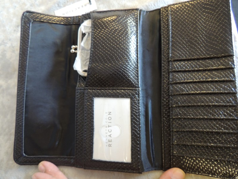 KENNETH COLE Fashion Accessory REACTION WALLET
