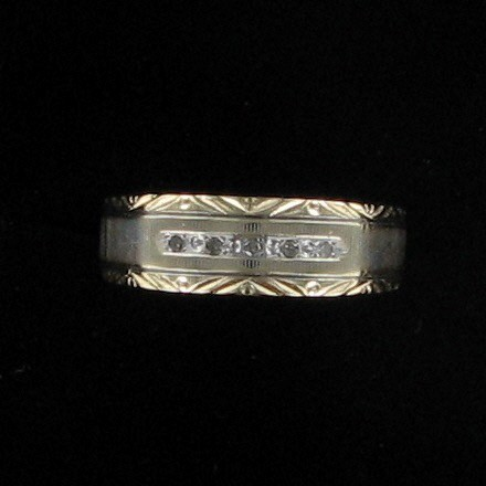 Gent's Gold Wedding Band 10K Yellow Gold 2.8dwt