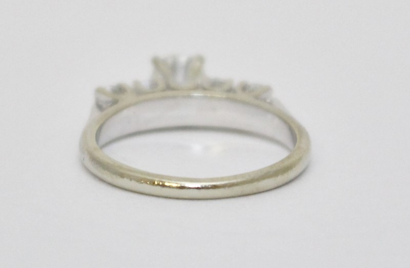 14K White Gold Cathedral Set Diamond Engagement Ring w/ Accents sz 4.75