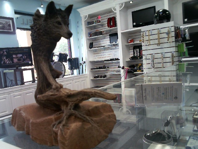 RICK CAIN SCULPTURES Collectible Plate/Figurine STEPPIN WOLF