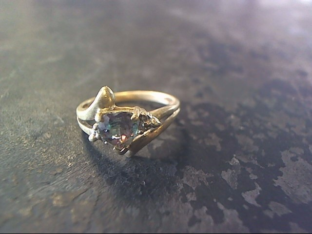 Purple Stone Lady's Stone Ring 10K Yellow Gold 1.6dwt