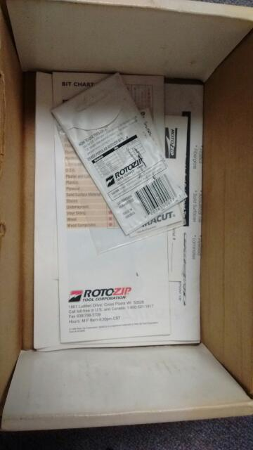 Rotozip SCS01 Corded High Speed Spiral Cut Saw in Box