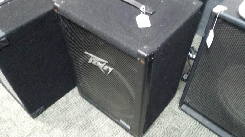 PEAVEY PA System 115 DL (PA SPEAKERS)
