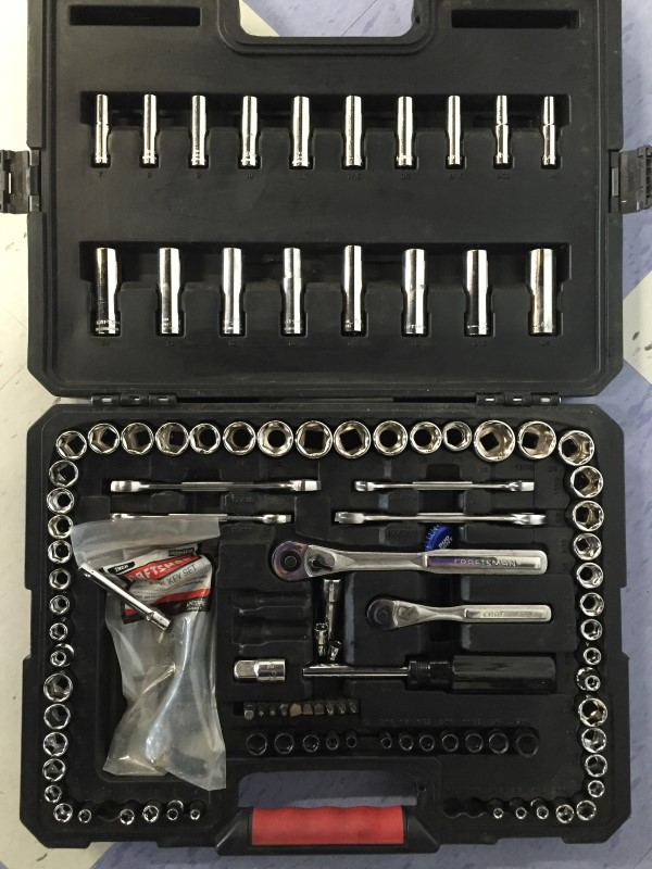 CRAFTSMAN 118-PC MECHANICS TOOL SET, SOCKETS, GOOD CONDITION.