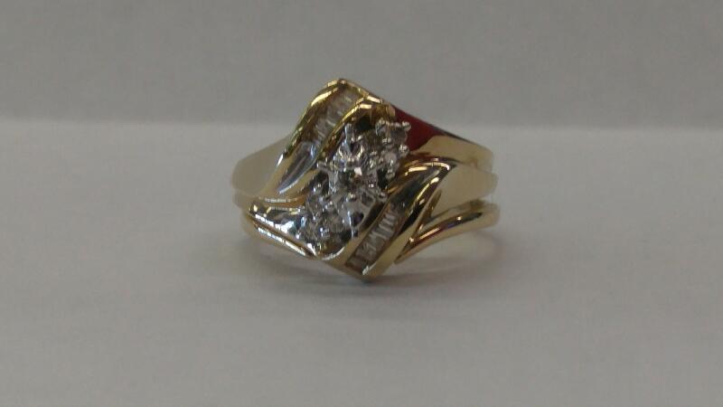7 RND 10 BAGG Lady's Diamond Cluster Ring DIAMOND 17 Diamonds .17 Carat T.W.