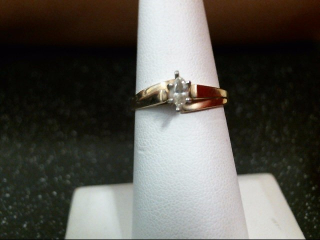 Lady's Diamond Engagement Ring .20 CT. 10K Yellow Gold 2.1g Size:7