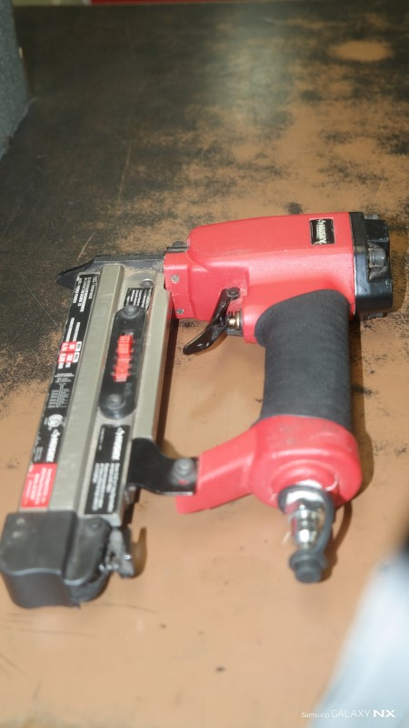 HUSKY TOOLS Nailer/Stapler PEGD625