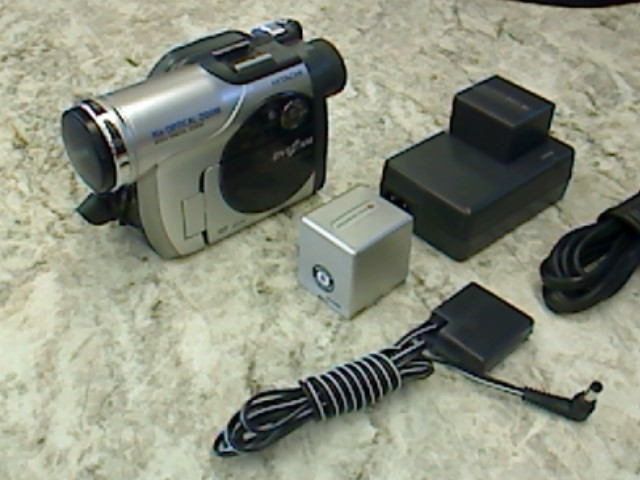 HITACHI  DZ-MV730A CAMCORDER