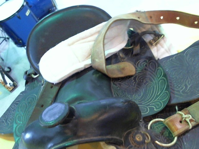 Horse Tack SADDLE NO NAME