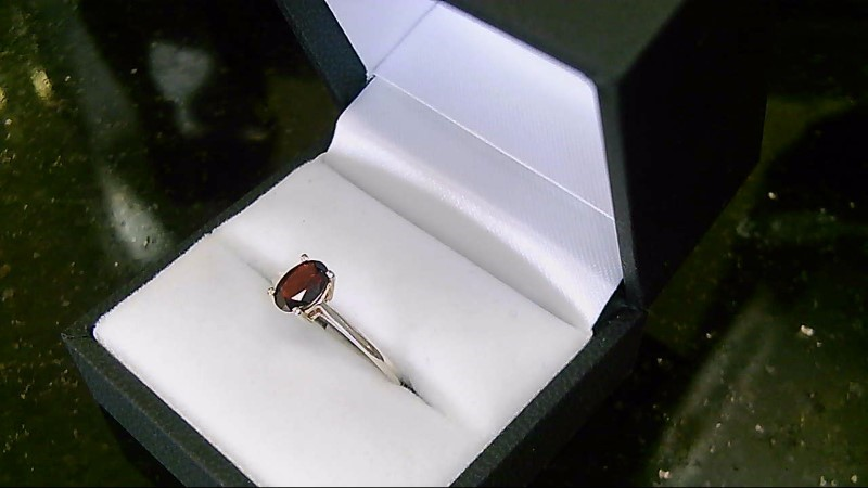 Lady's Garnet Silver Ring 925 Size 7.5