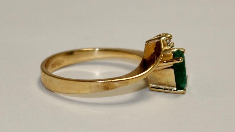 Emerald Lady's Stone & Diamond Ring 2 Diamonds .04 Carat T.W. 18K Yellow Gold