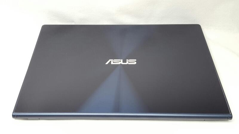 "ASUS UX301LA-DH71T 13.3"" TOUCHSCREEN, 2.80GHz i7, 8GB OF RAM, 256GB SSD"