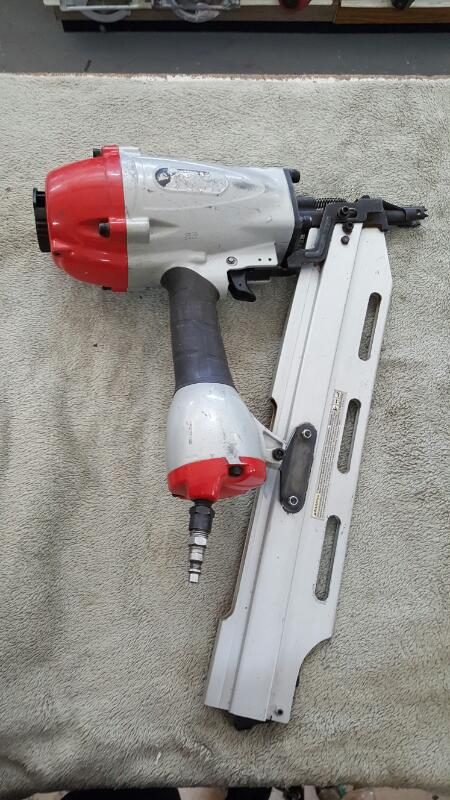 CENTRAL PNEUMATIC Nailer/Stapler 69927