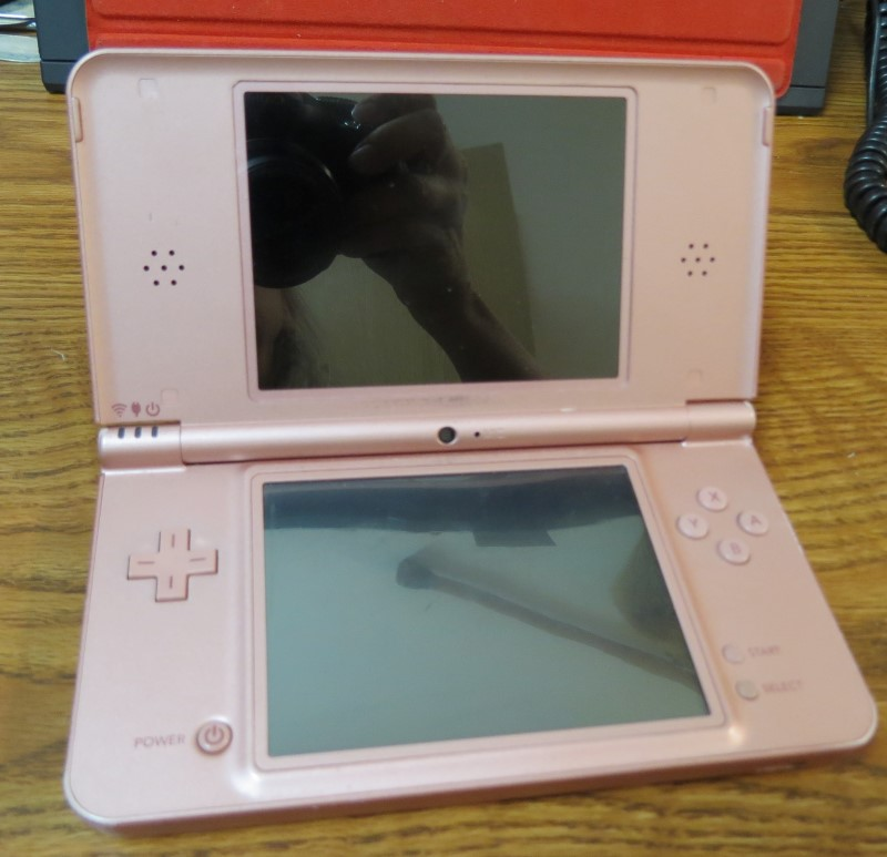 NINTENDO Nintendo DS DSI XL - HANDHELD GAME CONSOLE