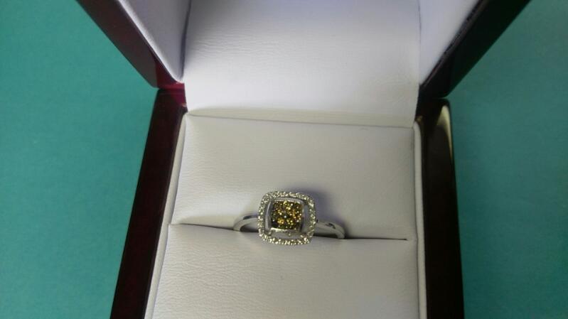 Lady's Diamond /Choc diamond Ring 41 Diamonds .93 Carat T.W. 14K WG Sz7. 1.9g