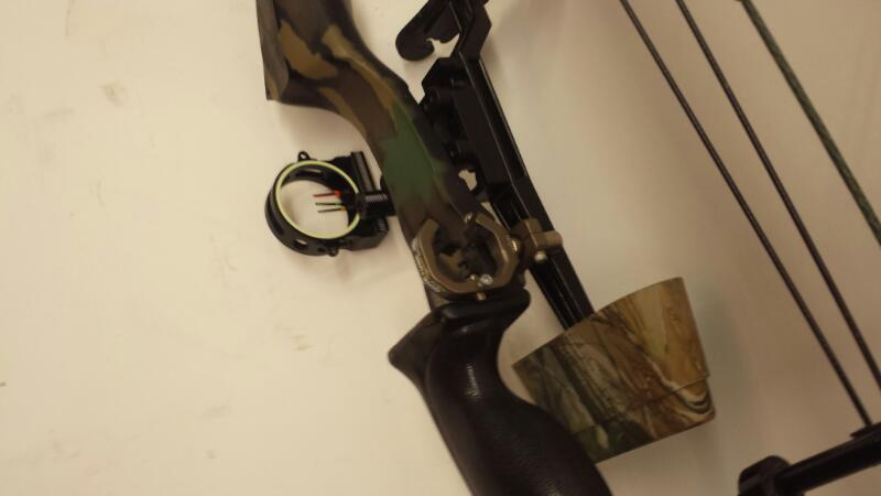 "PSE Archery Carroll Intruder - 70lbs - Draw Length 30"" - 60% Let off"