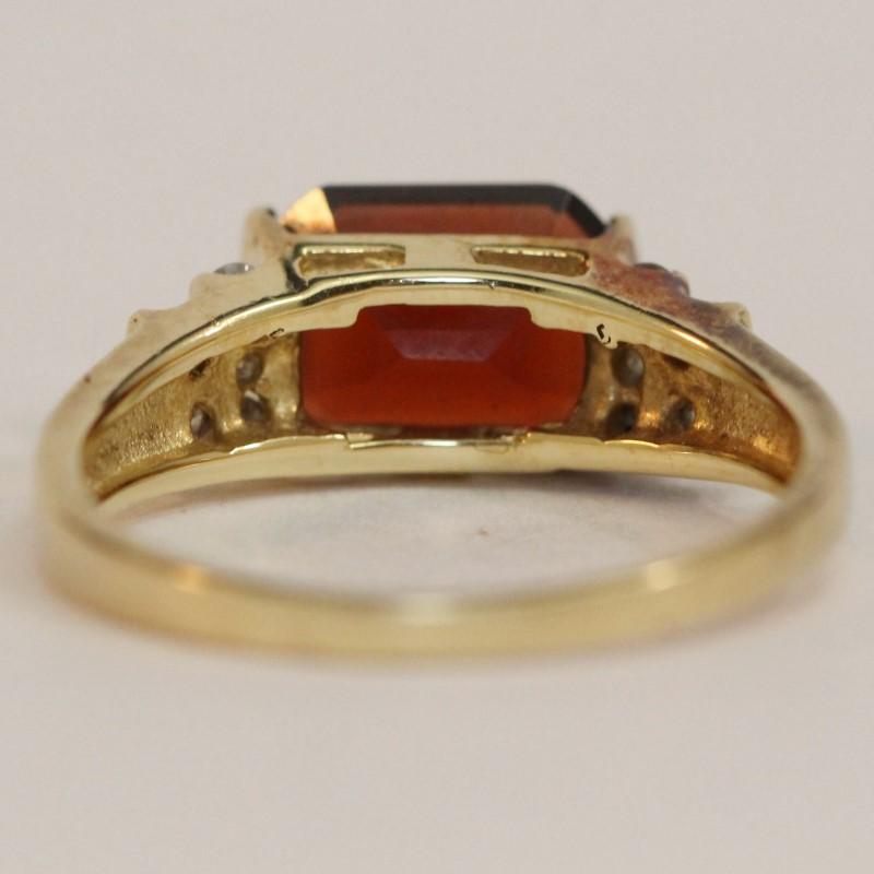 14K Yellow Gold Almandite Garnet and Diamond Ring Size 7