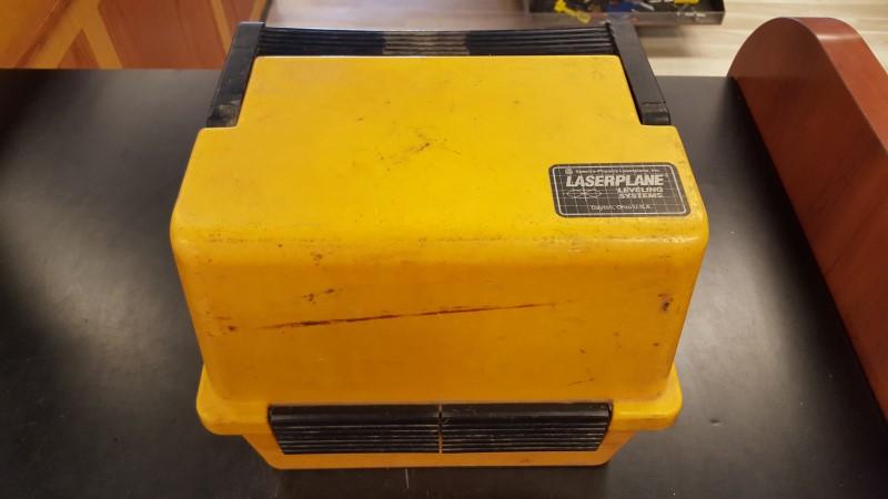 SPECTRA-PHYSICS Laser Level LASERPLANE 220