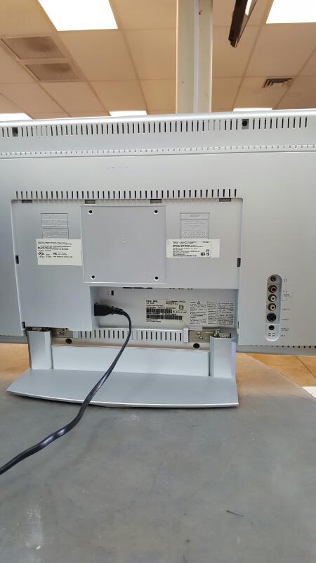 ELEMENT ELECTRONICS Flat Panel Television ELEFW247