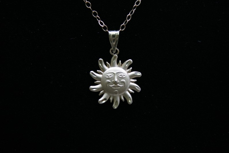 SUN 14K YELLOW GOLD CHARM