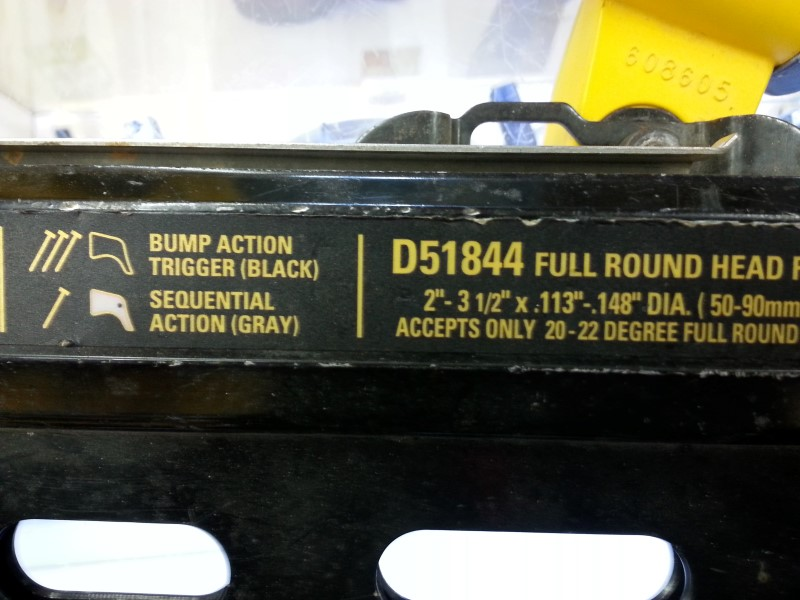 DEWALT Nailer/Stapler D51844