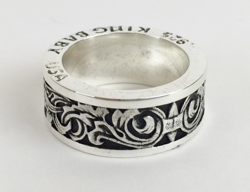 KINB BABY ENGRAVED SCROLL BAND