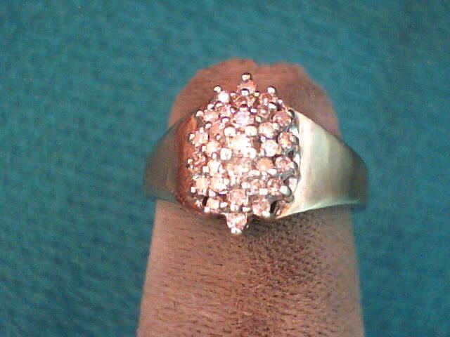 Lady's Diamond Cluster Ring 29 Diamonds .160 Carat T.W. 10K Yellow Gold 1.5dwt