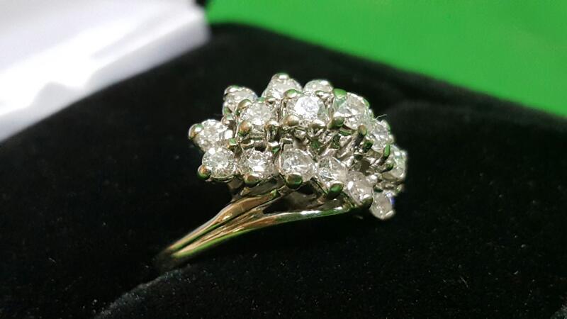 Lady's Diamond Cluster Ring 19 Diamonds 1.02 Carat T.W. 14K White Gold 4.6g