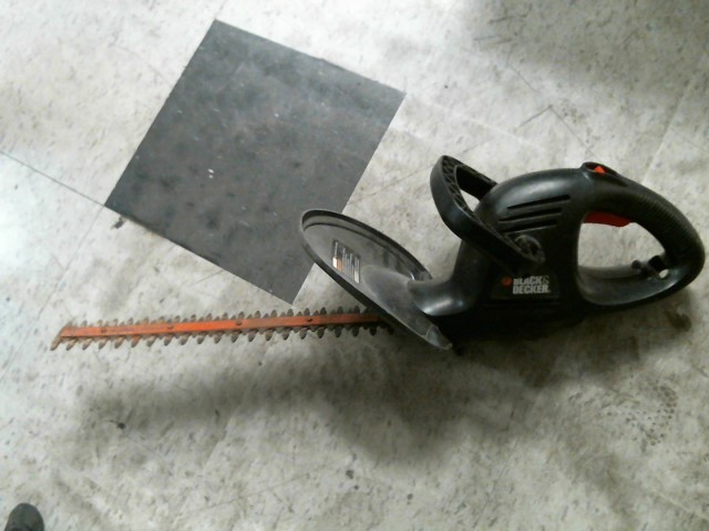 BLACK&DECKER Hedge Trimmer TR1700