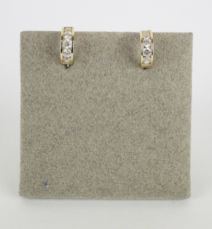 14K YG CZ HUGGIE EARRINGS 2.15G