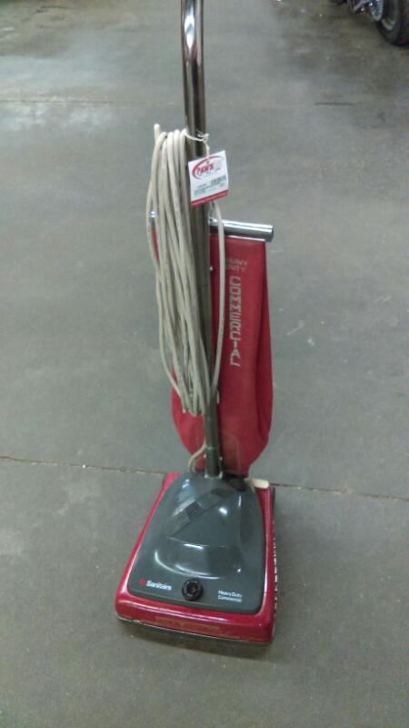 SANITAIRE Vacuum Cleaner SC684